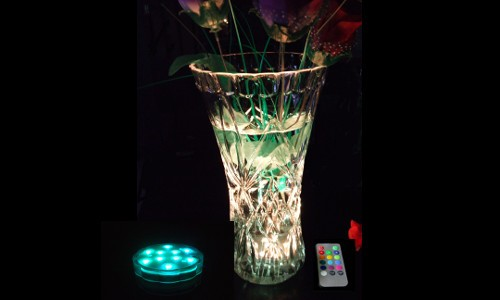 BASE ULTRALUMINEUSE SUBMERSIBLE A LED MULTICOULEUR + TELECOMMANDE
